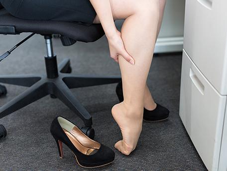 足のしびれ、足のむくみ