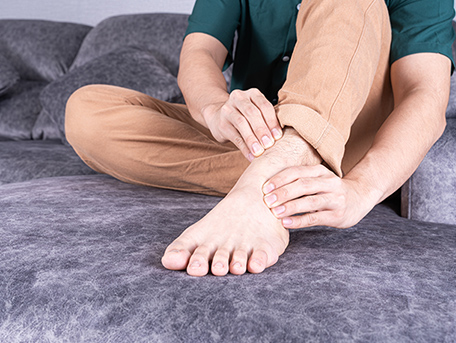 足の甲の痛み(偏平足、腱鞘炎、捻挫)
